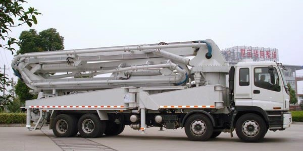 truck-mounted-boom-pump01